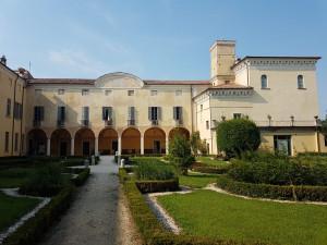 """Palazzo Cigola Martinoni, sede degli eventi culturali de """"L'Antica Terra""""."""